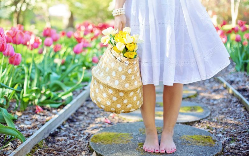 barefoot-blooming-blossoms-413707-min