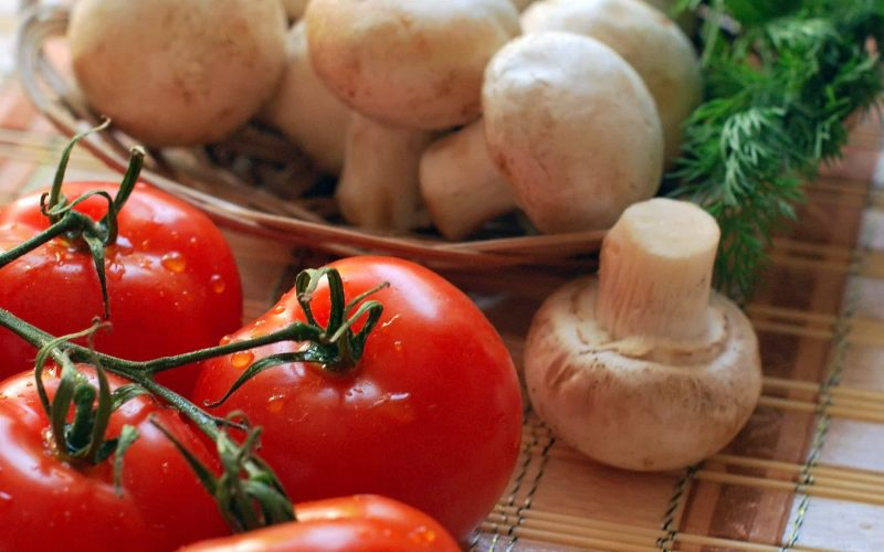cherry-tomatoes-delicious-diet-262967-min